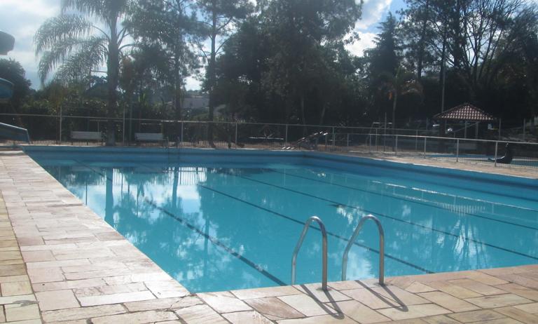 Cuidados com as piscinas em condomínios