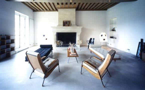 Veja dicas para inovar e decorar a sala sem sofá