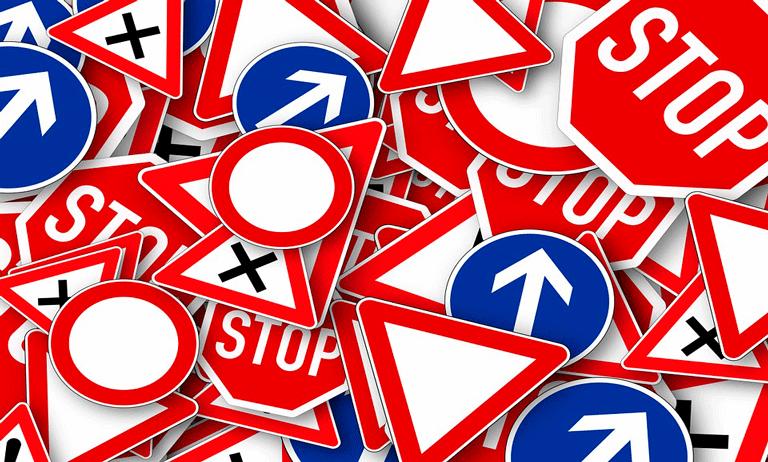 normas de trânsito dentro do condomínio