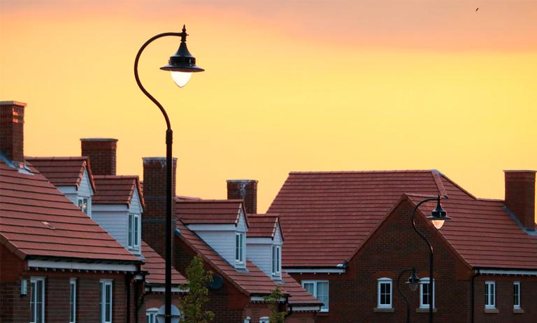 Moradores se preocupam com descumprimento de medidas sanitárias em condomínio
