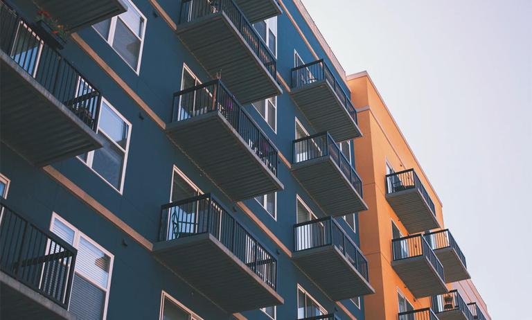 Após aglomeração e hostilidade entre moradores, condomínios reveem regras de uso de áreas comuns