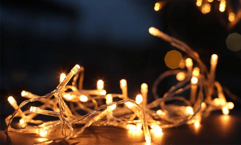 Festas de final de ano: decoração requer cuidados com rede elétrica